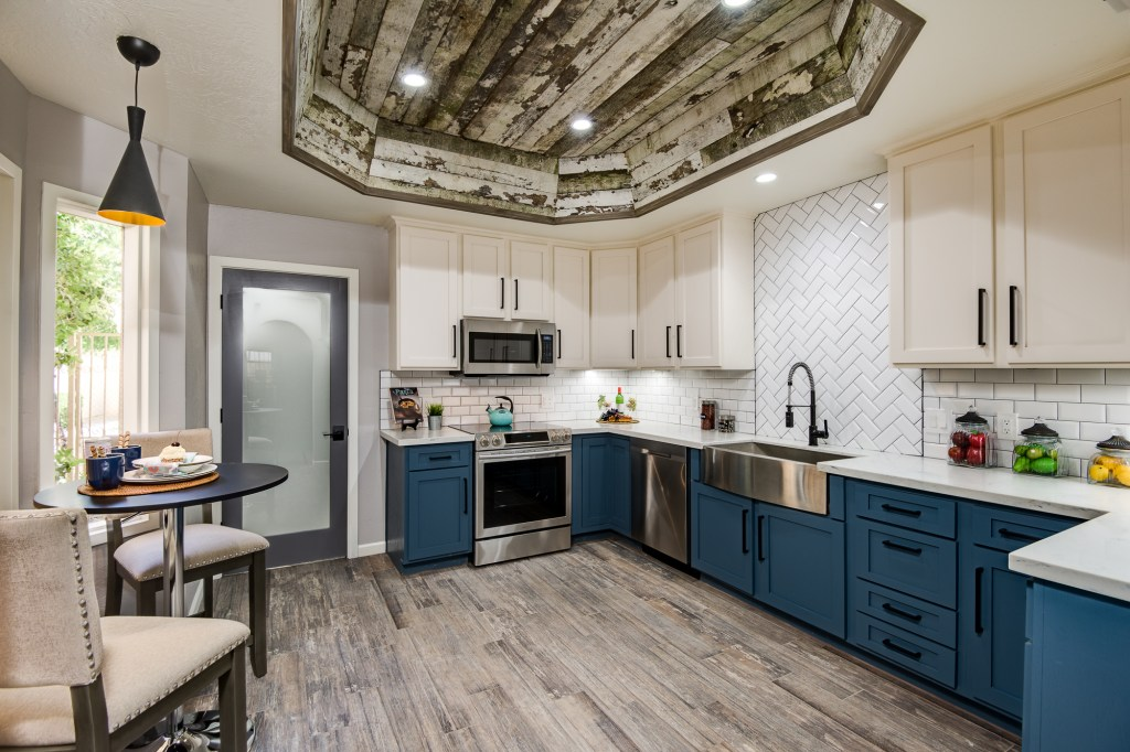 Uptown Phoenix Condo, No. 4 | Lugo & Co. in Phoenix, AZ