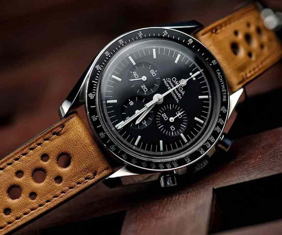 Vintage Omega speedmaster vintage with a Rally French tan LUGS watch strap.