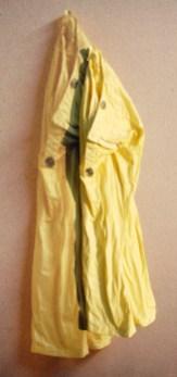 arch.n. 882 panta gialli pantaloni resinati + riproduzione fotografica su tela applicata a tavola cm 146 x 71, anno 2009