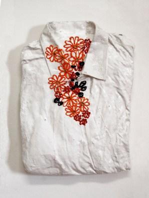 florens9 arch.n. 948 indumento + gesso e resine + colori ad olio, cm 40x30x7, 2010-2012