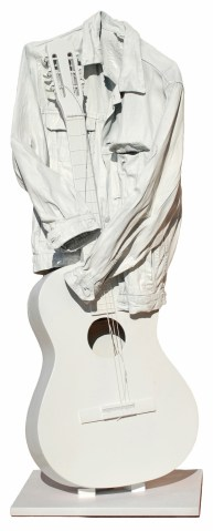 arch.n. 1.294 suono bianco giubbotto resinato + strumento + laccatura bianca anno 2009 cm 40x36x110