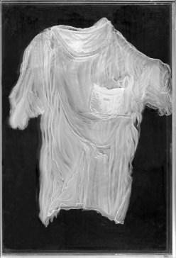 arch.n. 975 Daimon 4 incisione su plexiglass + fondo specchiato – 2011– cm 62,5 x 4,5 x h 92 Catalogo ed. Bozzetto e catalogo Art&Media