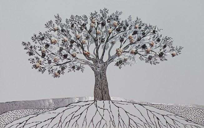 """La foresta nel mare: Archivio n. 1759- cm 55x90 - 2019- incisione su alluminio + """"frutti"""" creati con vestiti usati compattati con filo di acciaio inox e resina. Avvitati dal retro. L'opera è archiviata ed è completa di attanaglia. concept: alberi che diventano casa, famiglia e dignità per chi ha perso e perde tuttora, la vita nel Mar Mediterraneo."""