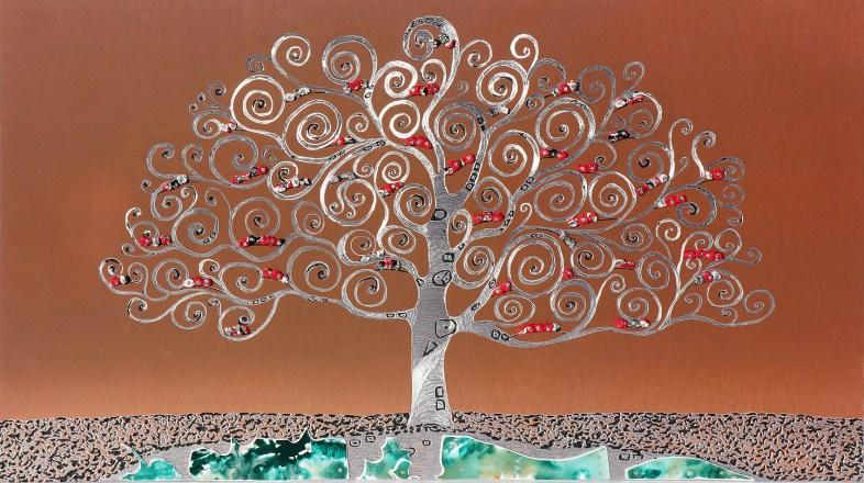 L'albero dai buoni frutti, archivio n. 1938 - cm 61x110, anno 2101 incisione su rame e alluminio + PVC sagomato e dipinto + vestiti usati.