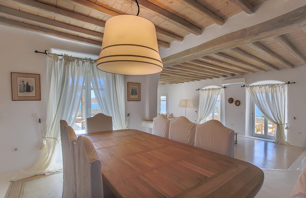 Kymothoe-villa-dinner-table-living-