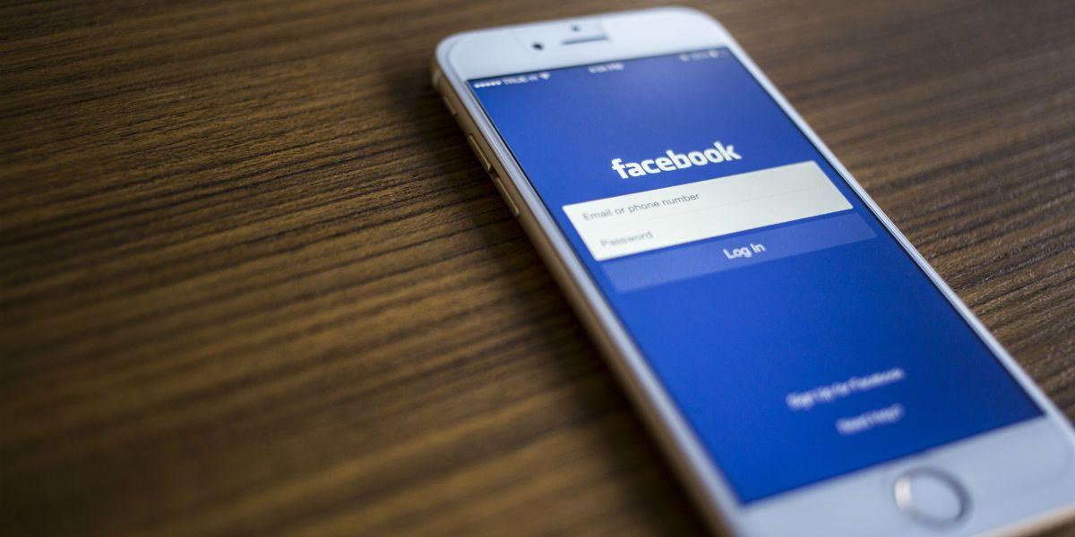 ¿Cómo eliminar mi número de celular en Facebook?