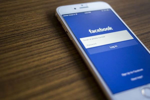 Cómo eliminar mi número de celular en Facebook