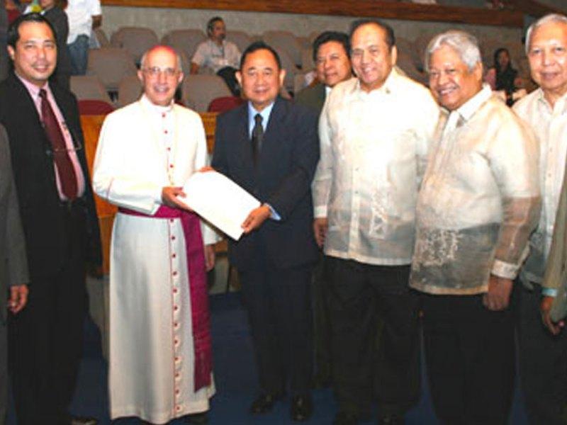 H.E. Most Rev. Fernando Filoni with Filipino congressmen