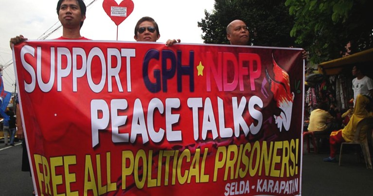 On Valentine's Day and eve of GPH-NDFP formal peace talks: A call to release all political prisoners (Arkibong Bayan)