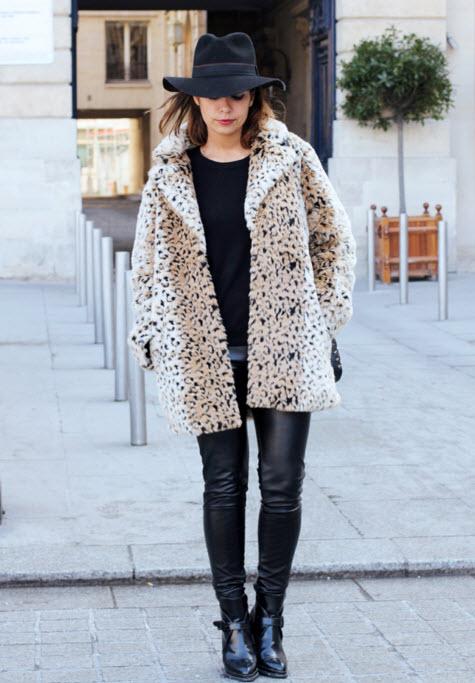 haina blana leopard print in outfit negru