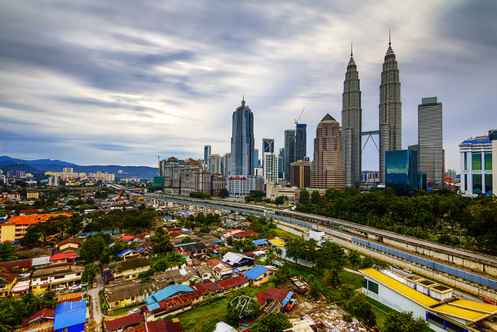 vedere panoramica Kuala Lumpur - imbinare intre vechi si nou