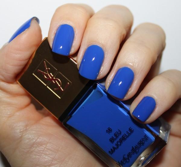 modele noi de unghii La Lacque Couture YSL Bleu Majorelle