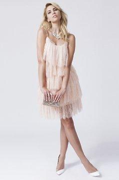 rochie din dantela fina cu volane si bretele roz prafuit
