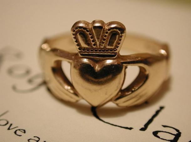 inel de logodna folosit de romani