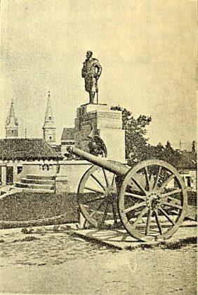 Fotografia statuii, realizata de Marele Voievod Mihai de Alba-Iulia, in 19 iunie 1935
