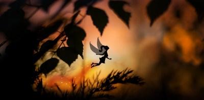 Le réveil de L'Empourpreuse- Lumi Poullaouec - Création - Photographie et illustration féérique