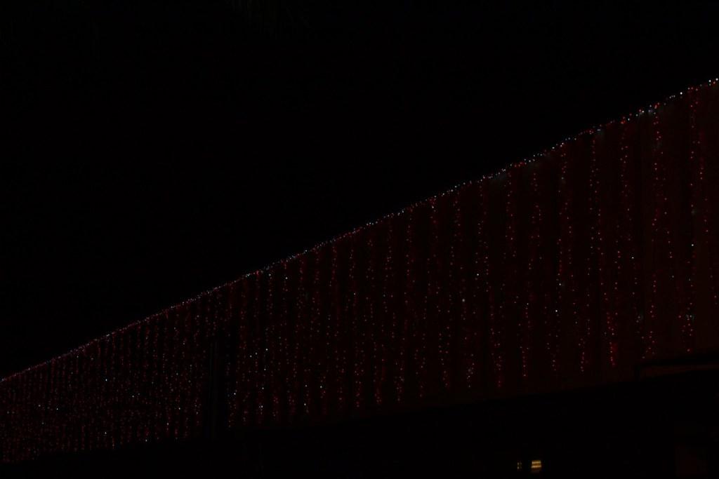 (Foto 15 -10) Parete a W luminosa rosso flash (visiona video)
