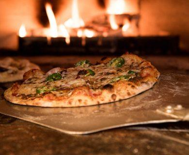 Giro Pizza di Forno a Legna Parma | Ristorante Pizzeria LUNA BLU: anche Pesce Carne Parcheggio Wifi Cucina Casalinga e per bambini Dehors