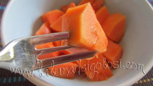Il frutto, quando è immaturo, non dovrebbe invece essere assunto, a causa del suo alto contenuto in lattice
