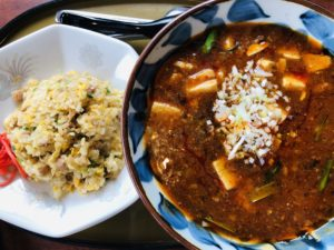 三宝亭 山田店 麻婆麺と半炒飯
