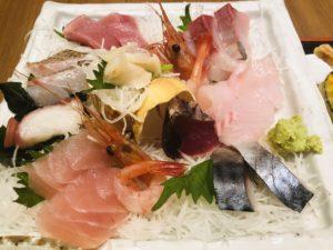 魚菜屋 上刺盛りとお魚定食 刺身アップ