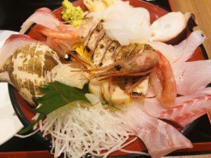 魚菜屋 のど黒と日本海の魚達 丼アップ