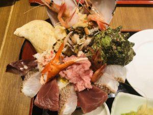 魚菜屋 能登の美食丼 丼アップ