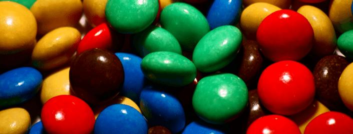 סוכריות בכל מיני צבעים