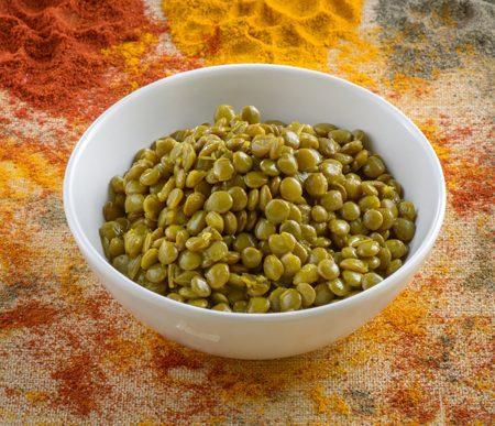 קערה של תבשיל עדשים