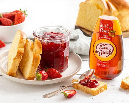 Confiture de fraise allégée, au miel de fleurs Lune de Miel®