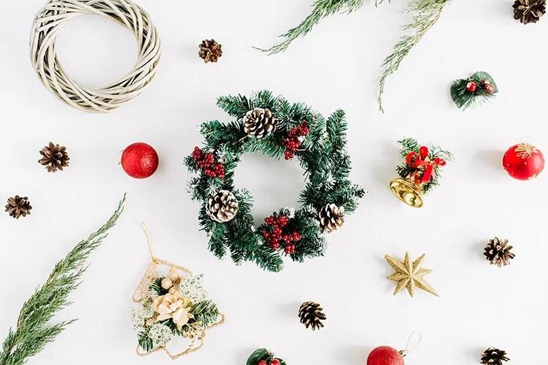 julkrans och julpynt