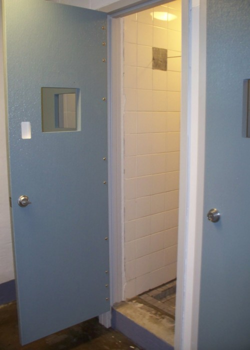 Northwest_correctional_shower2. 600_oshkosh_casestudy_0210 & Oshkosh Door Company - Lunsford Door \u0026 Service Inc.