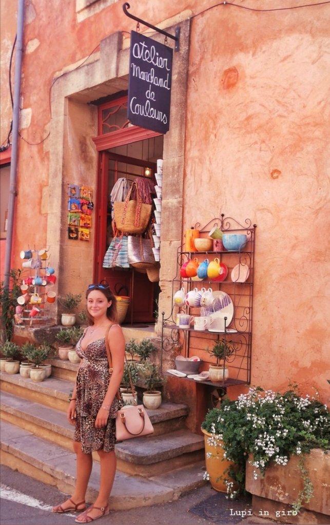 Il borgo ocra e le ateliers artistiche di Roussillon, Provenza
