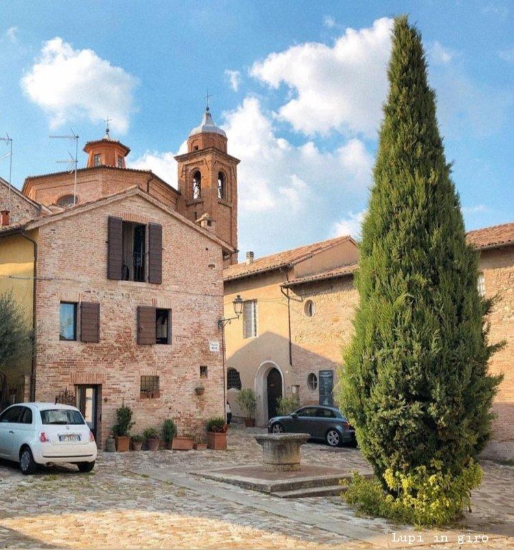 Piazzetta delle Monache, nel cuore del borgo di Santarcangelo (RN)