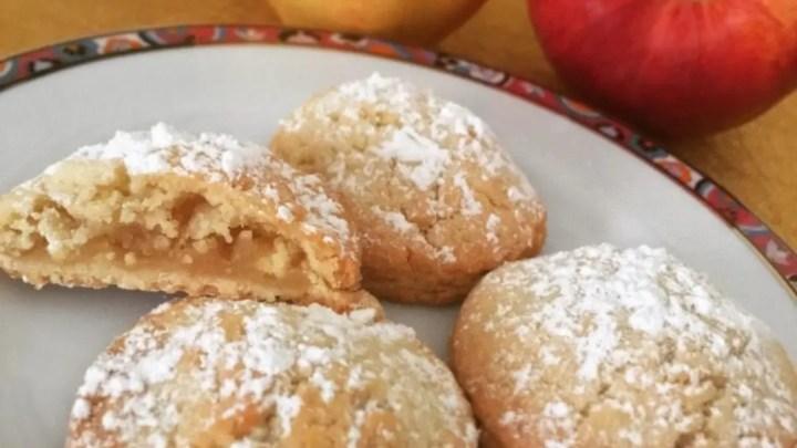 Biscotti di pasta frolla mela e cannella