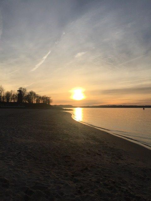 Sonnenuntergang Moeltenort - Freitagszeuch