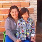 Niño enfermo del colon necesita la ayuda de amigos solidarios