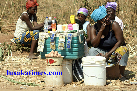 Vendors at Chingwere cemetery