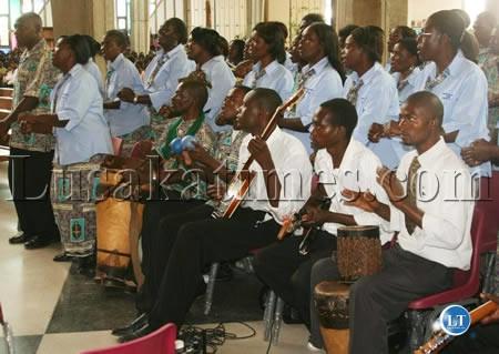 Zambia : Apostolic Church directs members to suspend hand shaking