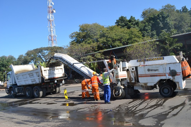 Inyatsi Roads Zambia has made a lot of progress to upgrade Mosi-oa-tunya road in Livingstone in readiness for the UNWTO conference in August this year. Above a road machinery upgrading a component of Mosi-oa-tunya Road near Mukuni Park