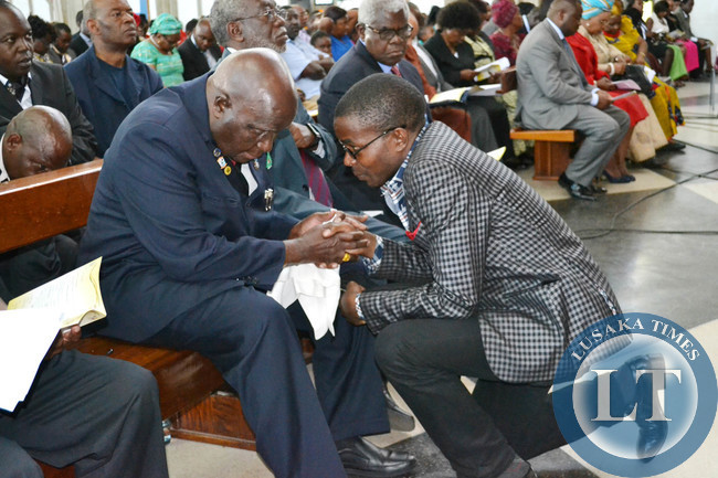 First Republican President Kenneth Kaunda n Party leader Cosmo Mumba at Cathedral of the Holy Cross in Lusaka