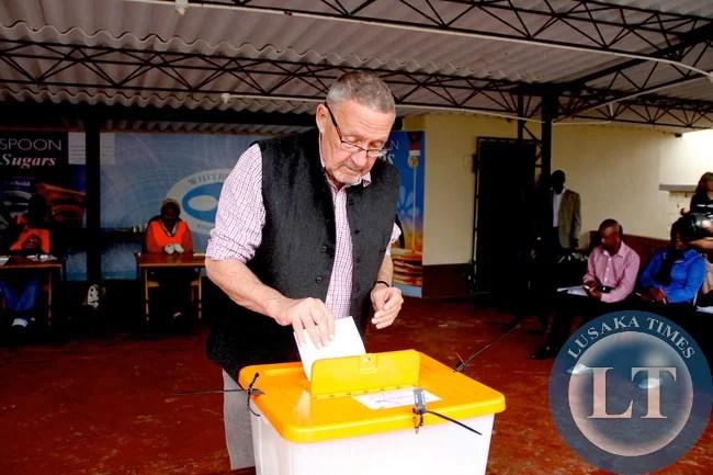 Dr Scott casting his vote