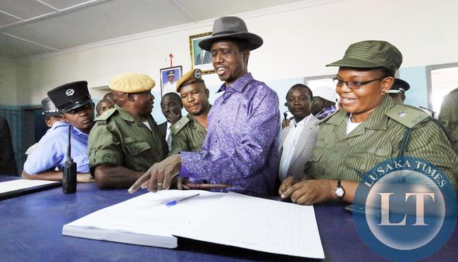 President Lungu Check in Police OB book at Misisi Post 6321
