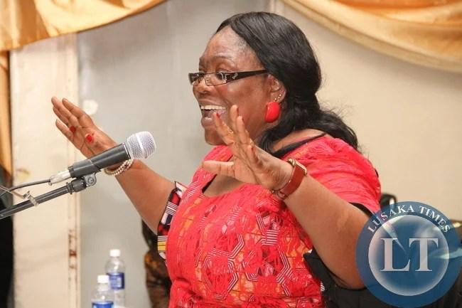 Vera Chiluba addresses women in Mansa