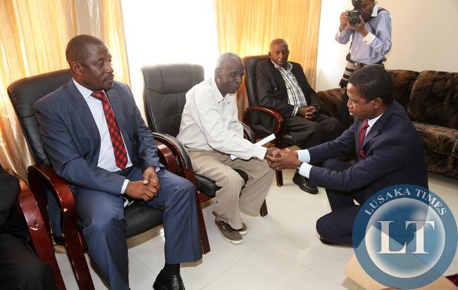 President Lungu Greets Chief Nabwalya in Mpika