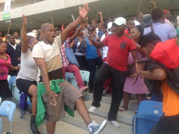 """Shouting """"abahambe, badayisa ama'drugs,"""" translated they must go, they sell drugs .Courtesy ENCA"""