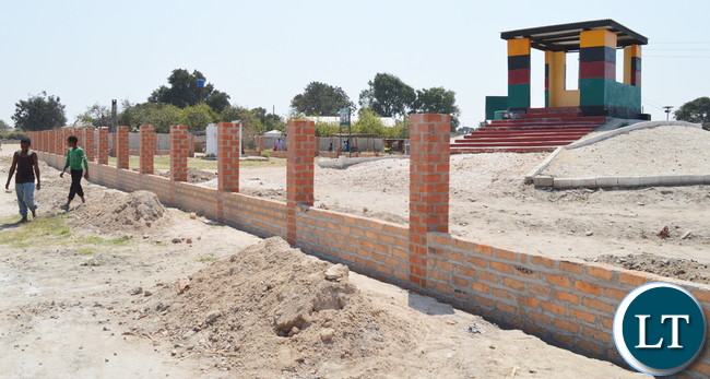 In 1973, first republican President Kenneth Kaunda signed the Choma Declaration in Shampande Township at a place known as Kaunda Square. This gave birth to a one-party state through the former regime, United National Independence Party (UNIP).The National Heritage Conservation Commission has embarked on erecting a wall-fence around this monument now called Choma Declaration Heritage Site to turn it into a tourist centre. Above, part of the wall-fence under construction