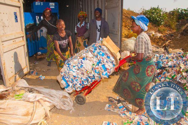 Manja Pamodzi collectors at work