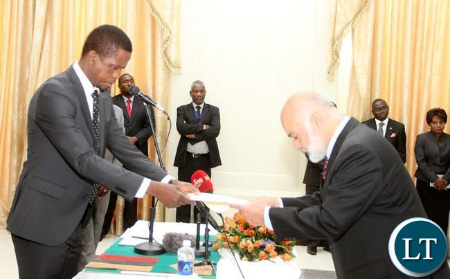 President Lungu receives credentials from Pakistan Ambassador to Zambia Asaf  Khan  (R) at State House on Thursday, September 17,2015 -Picture by THOMAS NSAMA