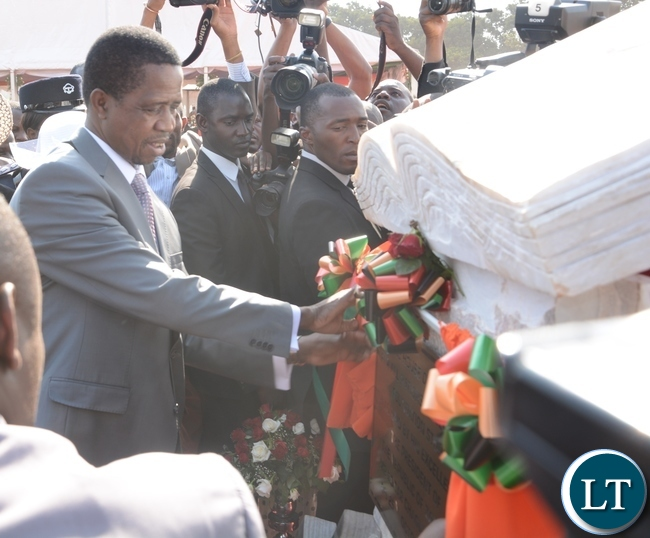 President Edgar Lungu unvails the plaque during the ground breaking ceremony for new cathedral and interdenominational thanksgiving church service for Zambias 51st independence anniversary yesterday, 25-10-2015. Picture by Ennie Kishiki/ZANIS.